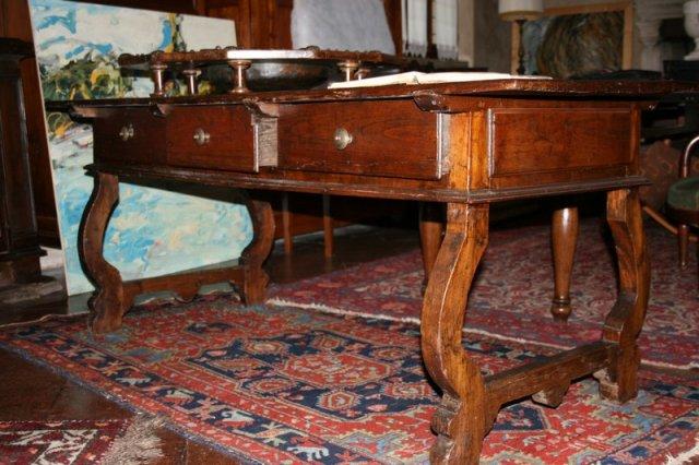 Genovesi antichit restauri galleria tavoli e scrivanie for Tavoli e scrivanie